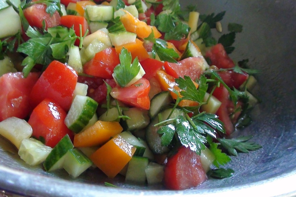 chunky tomato cucumber salad2 - Copy